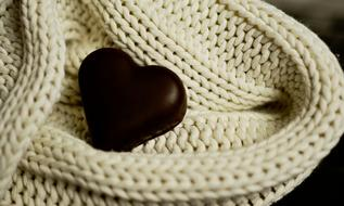 Heart Chocolate and white Wool