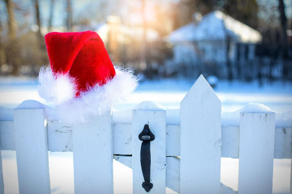 SantaS Hat Snow Winter fence