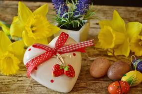 Heart with bow and Daffodils, easter Gift