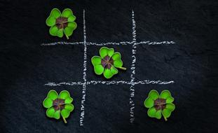 four leaf clover lucky game