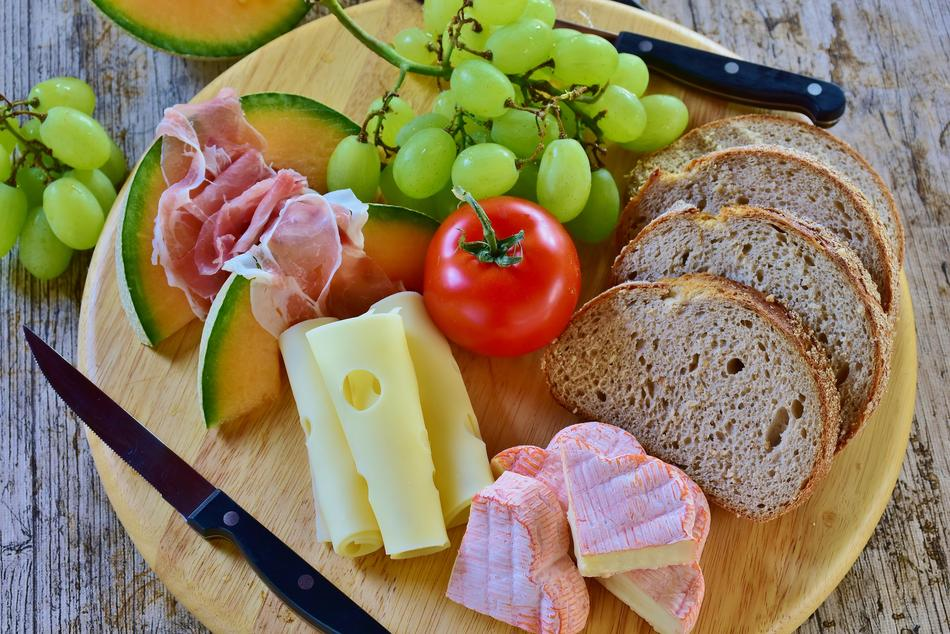 Bread, fruits, ham and Cheese, Snack
