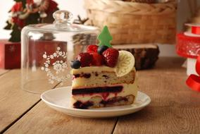 sponge cake with jam and berries