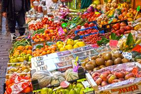 organic vegetables and fruits on the market