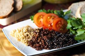 quinoa seeds with vegetables
