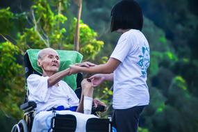 Hospice Caring For Elder