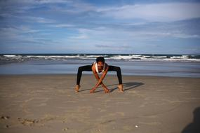 Yoga Indian sea