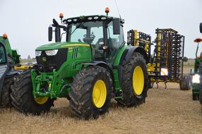 Tractor Agriculture green yellow