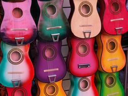 Play color guitar