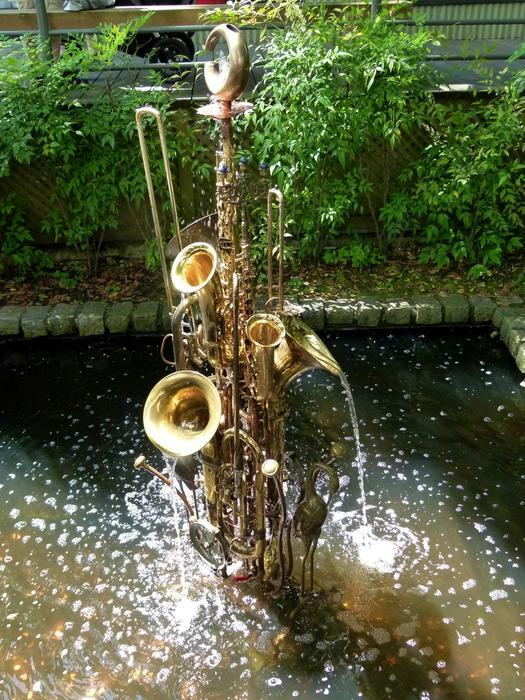trumpets fountain