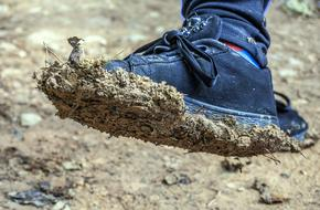 Shoe with Mud on sole