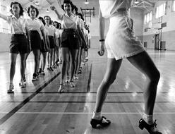 retro photo of a dance class in the 20th century