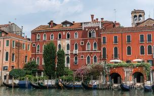romantic venetian architecture in Italy