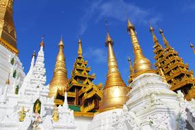 Temple Pagoda Shwedagon gold roof