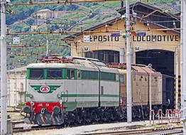 Electric Locomotives Historically train