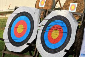 hit the target at archery
