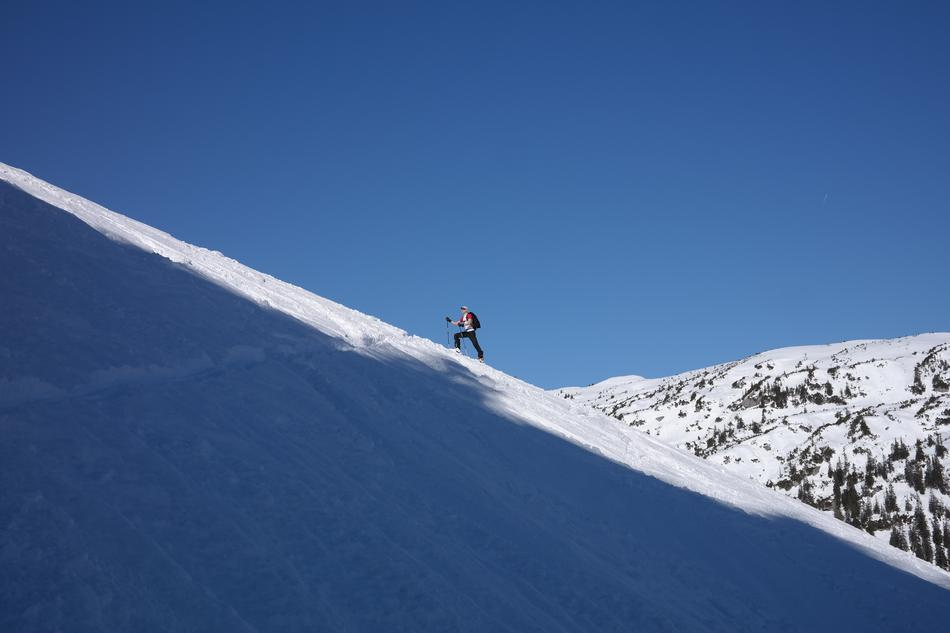 Backcountry Skiiing Tour