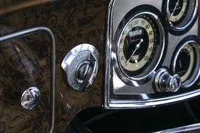 Photo of a retro Packard Eight car speedometer