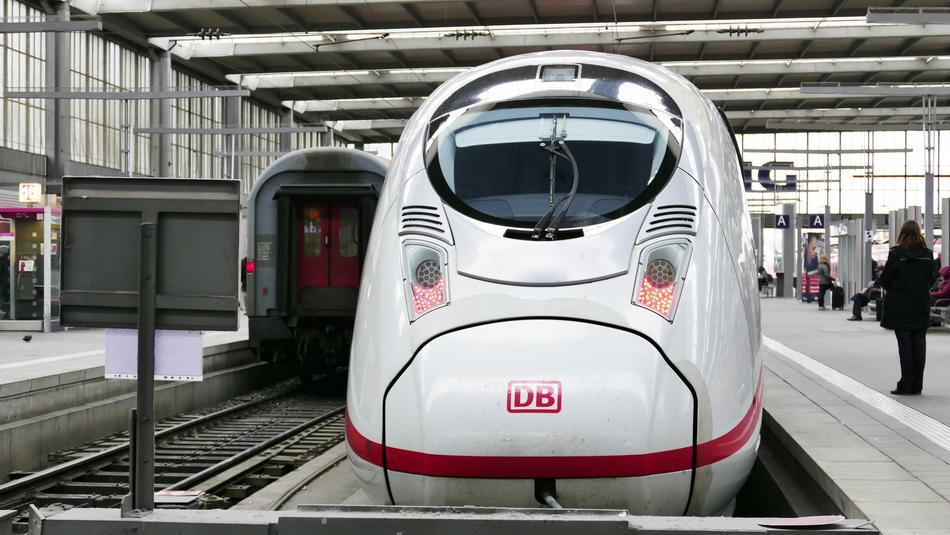 speed Train white