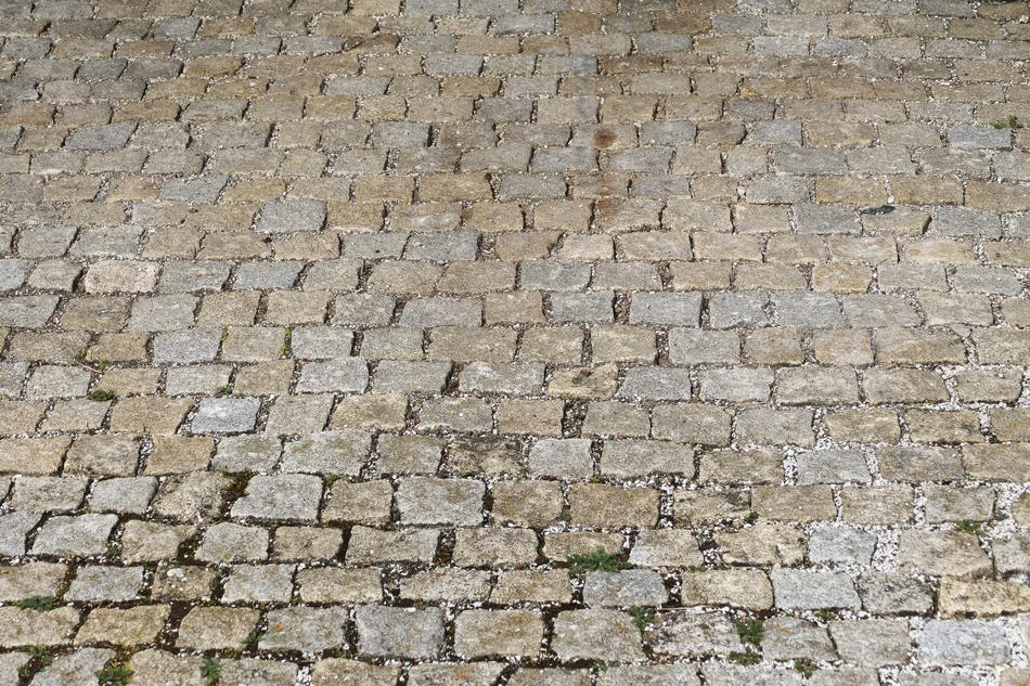 Cobblestones Patch Paving