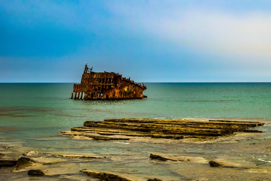 wonderful Shipwreck Sea