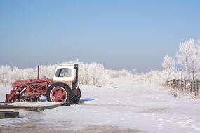 tractor on Frost Ice