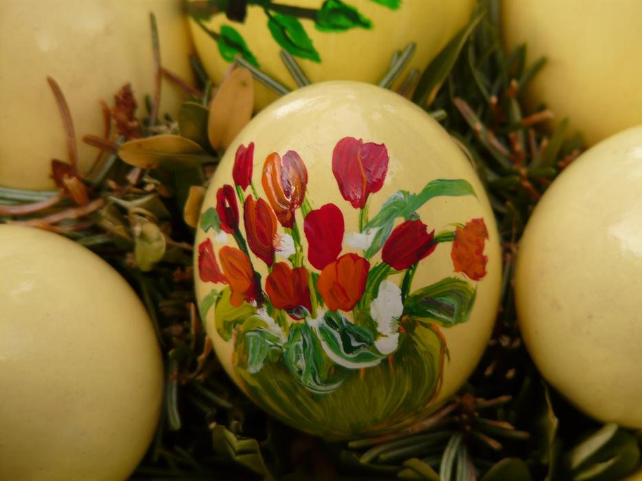 Easter Egg Paint red flowers