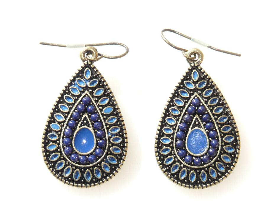 silver Earrings with blue Stone