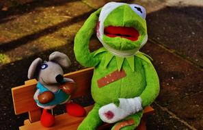 Kermit frog and Mouse toy