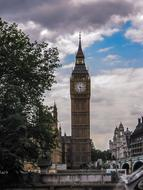 photo of the majestic Big Ben in London, England